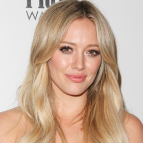Update: Tι έπαθαν τα πράσινα μαλλιά της Hilary Duff