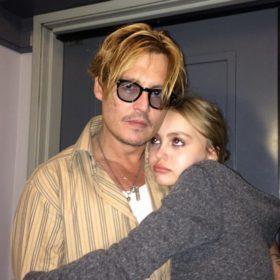 Η κόρη του Johnny Depp φωτογραφίζεται πρώτη φορά για ένα πολύ γνωστό περιοδικό