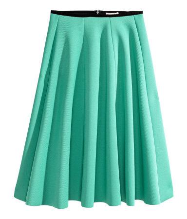 e405329b1de3 H M - Shop it! Θα λατρέψετε αυτές τις midi φούστες σε γραμμή άλφα ...