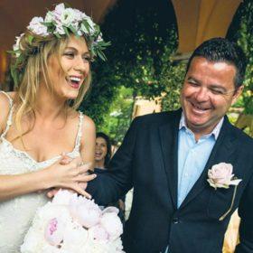 Ο μυθικός γάμος του «Mr. Nammos»: Παντρεύτηκε την αγαπημένη του δίπλα από την έπαυλη του George Clooney