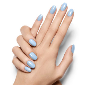 Into the blue: Γαλάζια βερνίκια που θυμίζουν καλοκαίρι