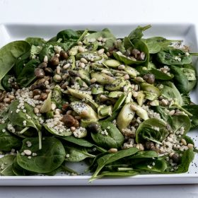 Σαλάτα σπανάκι με κινόα