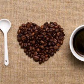 Ώρα για καφέ: Να πώς αυτό το ρόφημα κάνει καλό στην υγεία