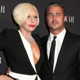 Lady Gaga: Δεν θα πιστέψετε με ποιο τρόπο έκρυψε την φουσκωμένη της κοιλίτσα