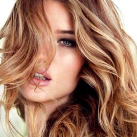 Το νέο trend στο χρώμα των μαλλιών… δεν είναι και τόσο νέο!