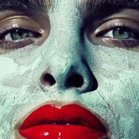 DIY: Φτιάξτε την πιο δροσιστική μάσκα προσώπου από αγγούρι και γάλα