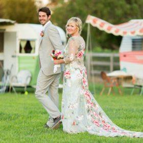 Μόνο στο People: Η Kelly από το «Χτυποκάρδια στο Beverly Hills» παντρεύτηκε τον κατά 9 χρόνια μικρότερο σύντροφό της