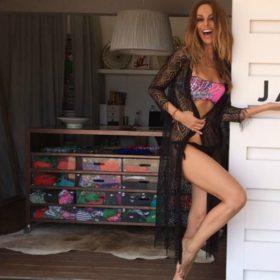 Μπέττυ Μαγγίρα: Δεν θα πιστέψετε τι τρώει στις διακοπές της και παρόλα αυτά έχει αυτό το κορμί