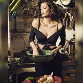 Μαρία Κορινθίου: Η celebrity που δεν την έχει αγγίξει ο χρόνος εδώ και δέκα χρόνια