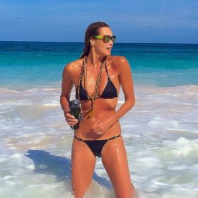 Elle Macpherson: Να πώς διατηρεί το κορμί της η 51χρονη καλλονή