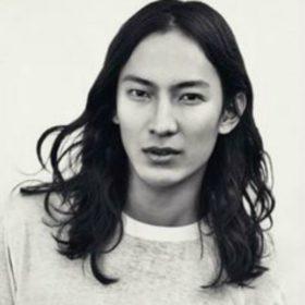 Alexander Wang: Ένας από τους πιο ταλαντούχους δημιουργούς της γενιάς του τώρα σχεδιάζει και κοσμήματα