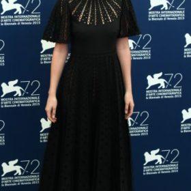 H Dakota Johnson με Valentino