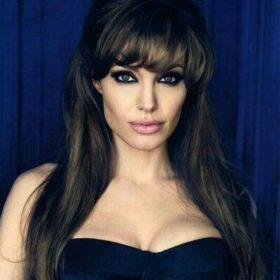 Angelina Jolie: Η αμακιγιάριστη selfie με την οποία στέλνει ένα σημαντικό μήνυμα σε όλες τις γυναίκες
