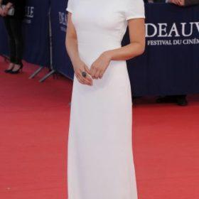 H Elizabeth Olsen με Calvin Klein