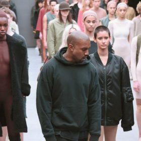 Γιατί ο Kanye West έχει εξοργίσει τους σχεδιαστές που συμμετέχουν στην Εβδομάδα Μόδας της Νέας Υόρκης;