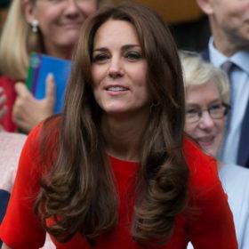 Η Kate Middleton εμφανίστηκε πρώτη φορά σαν πραγματική πριγκίπισσα και όλοι μιλούν γι' αυτό