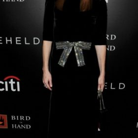 Η Julianne Moore με Saint Laurent