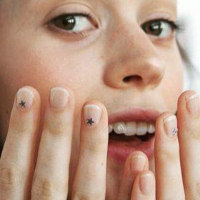 Θέλετε να βάφετε τα νύχια σας σε 1 λεπτό; Τώρα γίνεται