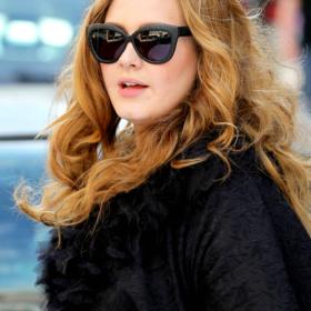 Μέση-δαχτυλίδι! Η Adele έδειξε το εντυπωσιακό body transformation της στο after party των Oscars με ένα λεοπάρ φόρεμα