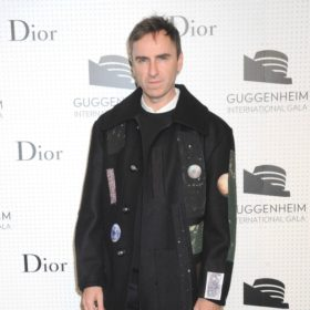 Breaking news: Ο Raf Simons φεύγει από τον Dior