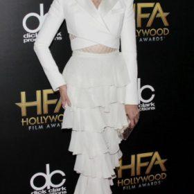 H Jane Fonda με Balmain