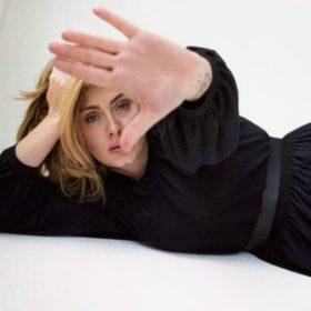 OMG! Η Adele έκοψε τα μαλλιά της και το internet έχει ξετρελαθεί