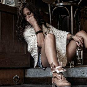 The Workshop: Τα πιο ωραία ελληνικά παπούτσια περνούν ένα κοινωνικό μήνυμα με τη νέα τους συλλογή που θα λατρέψετε