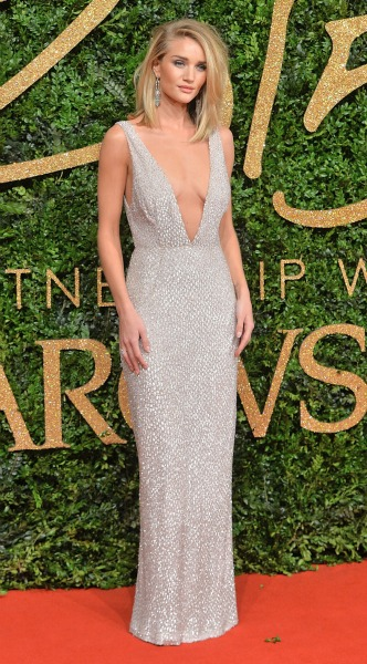 rosie huntington whiteley, asimi forema, low cut, british fashion awards, mosaic, look of the day