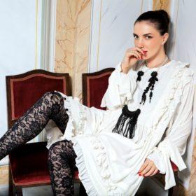 Η Φωτεινή Δάρρα μιλάει στο νέο InStyle για το στιλ της και τον τρόπο που μεγάλωσε