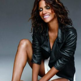Halle Berry: Να τι κάνει η 49χρονη και έχει κορμί 30άρας