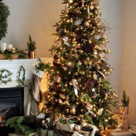 Πρωτότυπα χριστουγεννιάτικα δέντρα που θα κάνουν τη διαφορά στον γιορτινό στολισμό του σπιτιού