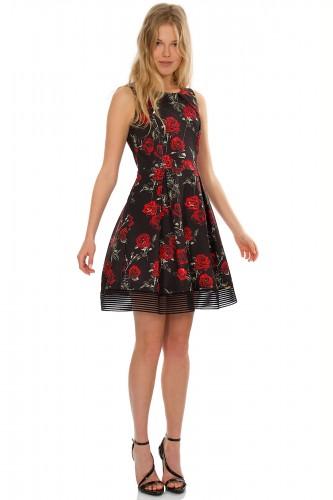 183ed37e7ee Φλοράλ φόρεμα - Βρήκαμε πέντε φορέματα ιδανικά για το ...