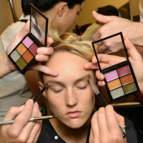 Εννέα ολοκαίνουργιοι κανόνες μακιγιάζ που αλλάζουν τα δεδομένα της ομορφιάς