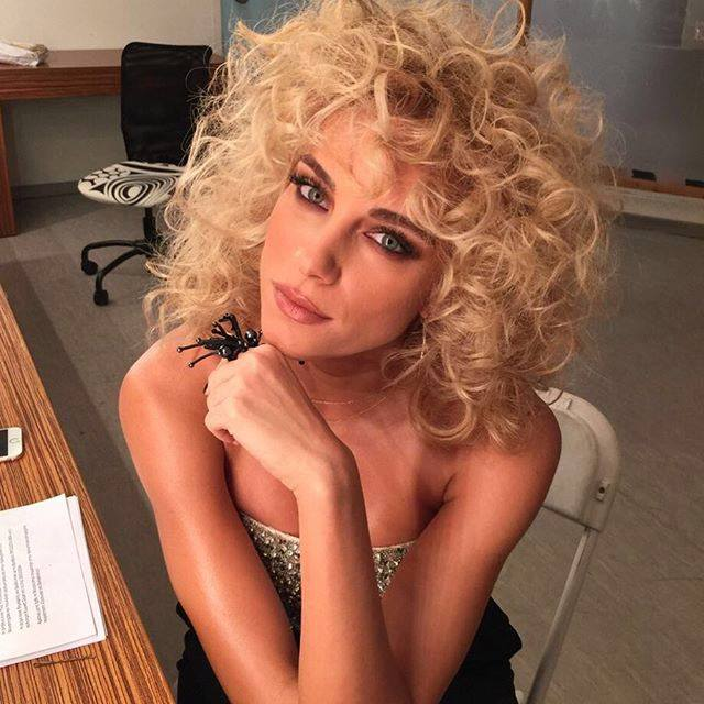 nomikou curly hair