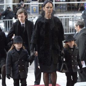 Καταρρακωμένη η Celine Dion: Δεν πήγε στην κηδεία του αδερφού της
