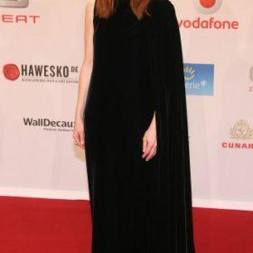 Η Julianne Moore με Valentino