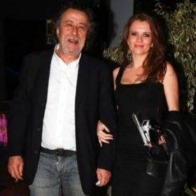 Μάκης Τριανταφυλλόπουλος – Κιμ Κίλιαν: Σπάνια έξοδος με τις δύο κούκλες κόρες τους