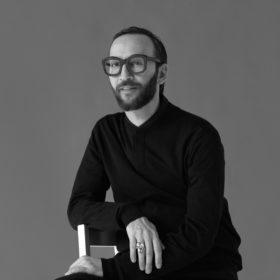 Ο Νικόλας Βιλλιώτης είναι ο επίσημος hair colorist της L'Oréal Paris