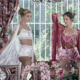 Roses are red: Η νέα συλλογή του ελληνικού brand θα σας ταξιδέψει στους πιο ρομαντικούς προορισμούς