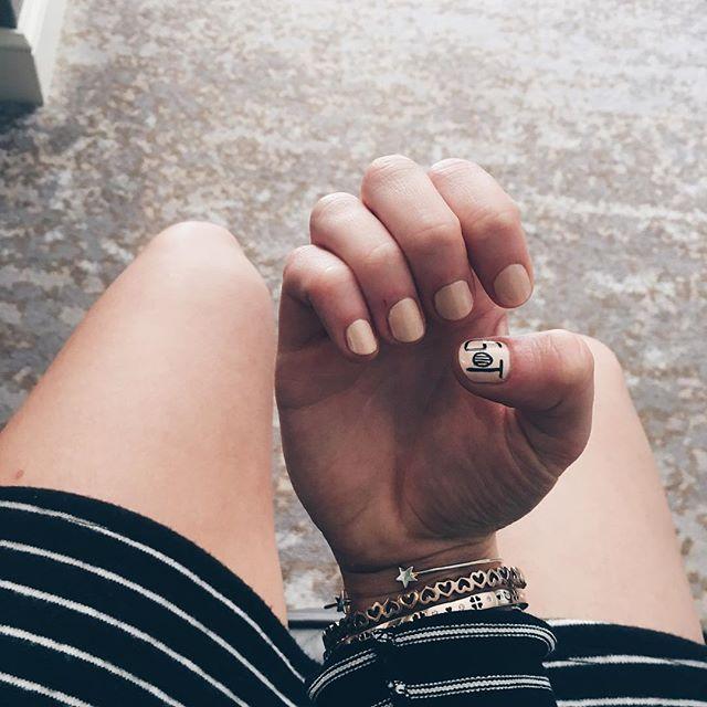 GOT, manicure