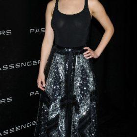 Η Jennifer Lawrence με Altuzarra