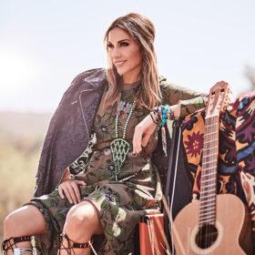Δείτε τι φόρεσε η Δέσποινα Βανδή στο αποψινό live του Rising Star και εντυπωσίασε