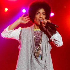 """Εμφανίστηκε ο """"άγνωστος"""" γιος του Prince και ζητά τεστ DNA: Δείτε το αμύθητο ποσό της περιουσίας του που διεκδικεί"""
