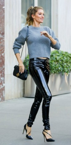 gisele Bundchen, look of the day, mosaic, Purse – Chanel Sweater and pants – Anthony Vacarello