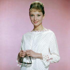 Audrey Hepburn: Με αφορμή τα γενέθλια της θυμόμαστε τα χαρακτηριστικά του στιλ της