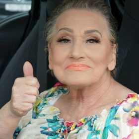 Δείτε γιατί αυτή η γιαγιά έχει γίνει viral στο internet