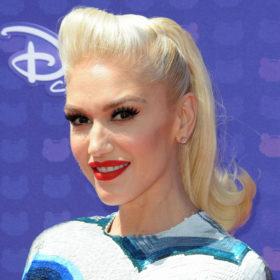 Gwen Stefani: Δημιούργησε το πιο κομψό casual σύνολο για αυτή την εποχή