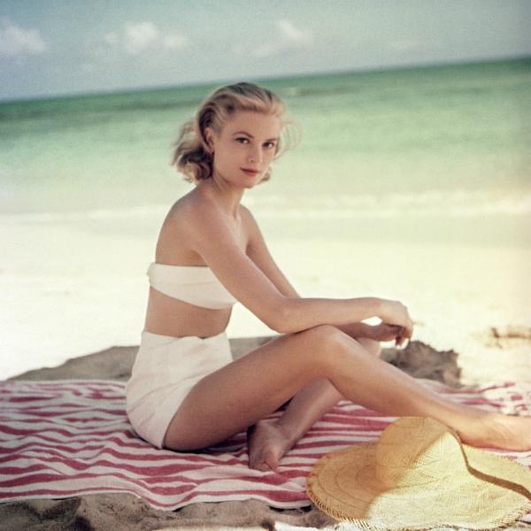 Grace-kelly-on-the-beach