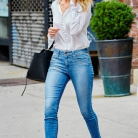 H Rosie Huntington-Whiteley με Aquazzura