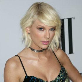 Η Taylor Swift ξεπέρασε τον χωρισμό… βάφοντας πάλι τα μαλλιά της